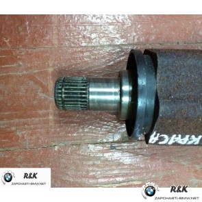 Оборотный приводной вал колеса П на BMW X6 seria E71/31607545126
