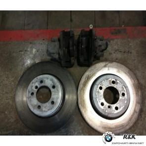 Задний тормозной диск с колодками BMW 7 E65